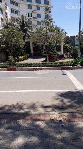 Cần bán gấp căn nhà tại ngã tư Khách Sạn Trung Tâm, TP Quảng Ngãi, lh: 0937357382