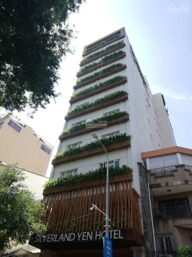 Bán gấp khách sạn góc 2 mặt tiền đường Hoàng Việt, 8x31m, hầm, 9 lầu, cho thuê 300 tr/th, giá 62 tỷ