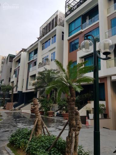 Cho thuê nhà liền kề 349 Vũ Tông Phan, Thanh Xuân. Tổng DT đất 125m2 * 6T có thang máy. Giá 40tr/th