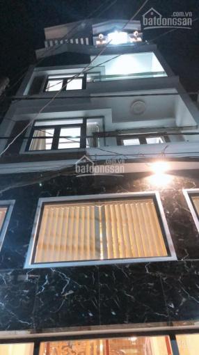 Cho thuê nhà nguyên căn mặt tiền 174B Hoa Lan, P2, Phú Nhuận