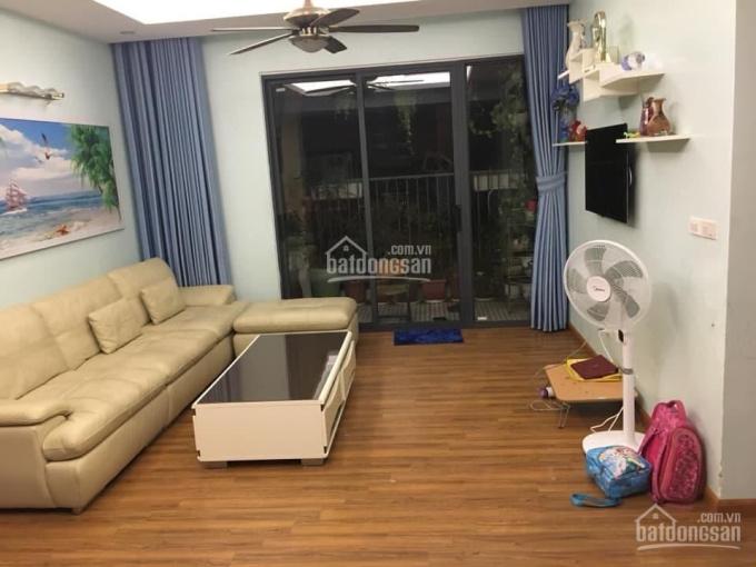 Gia đình cần bán gấp CH chung cư Victoria Văn Phú, DT 70m2 gồm 2PN, đủ đồ, giá 1,33 tỷ bao sang tên