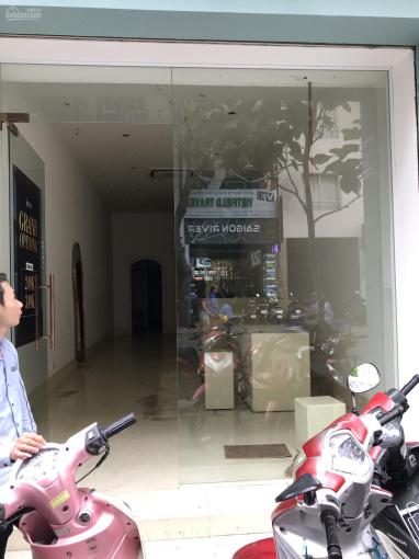 Cho thuê nhà góc 2 Mặt Tiền tại đường MạcThị Bưởi, p.Bến Nghé, Quận 1. Giá 190 triệu/th ( tl).