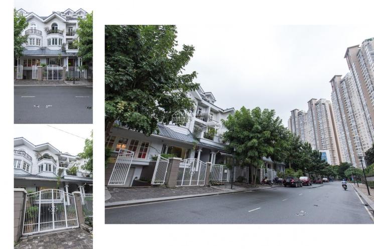 Cần cho thuê nguyên căn villa Saigon Pearl căn góc 2 mặt tiền đường giá 152tr/th