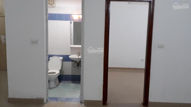 Bán căn hộ chung cư tầng 10, 2 phòng ngủ tại B15 Đại Kim