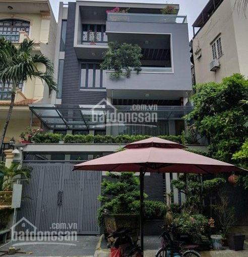 Cho thuê biệt thự khu Phan Xích Long - MT đường hoa - 8x18m hầm + 3 lầu