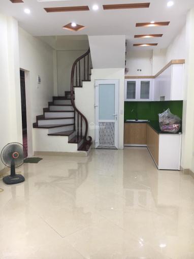 Bán nhà mới, ngõ 31 Trần Khát Chân, Lò Đúc 3,1 tỷ DT 45m2x5 tầng, ngõ vào 2,8m, đẹp long lanh