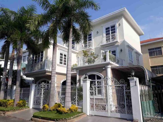 Cần bán căn biệt thự Nam Quang ngay trung tâm Phú Mỹ Hưng, nội thất cao cấp vào ở ngay ảnh 0