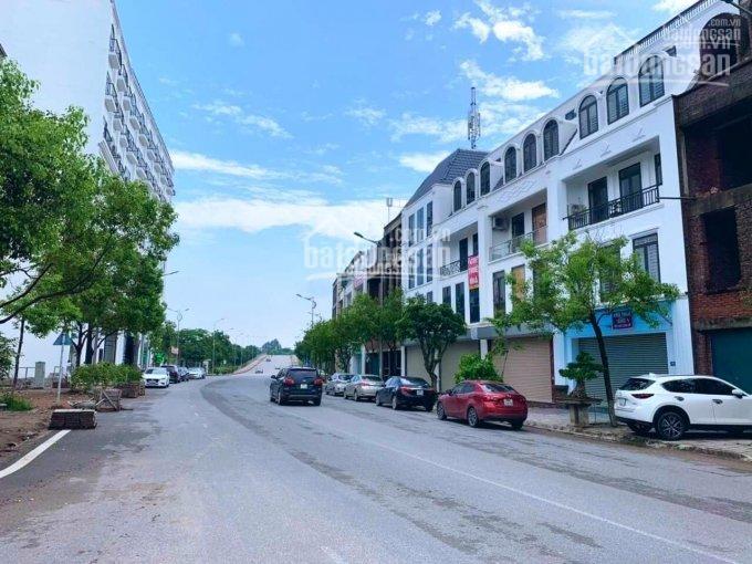 Cần bán nhanh lô đất mặt đường Lý Nam Đế, khu đô thị Nam Đầm Vạc Vĩnh Yên