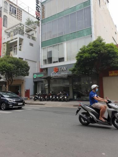 Cho thuê tòa nhà văn phòng MT Điện Biên Phủ, P11, Q10 ngay góc Bàn Cờ 8.5x24m, 6 tầng giá 180 tr/th