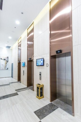 Cần bán căn hộ 2PN, 87.6m2 tòa Novo Kosmo Tây Hồ view sát bể bơi giá 3,2tỷ (em Ly 0945351094)