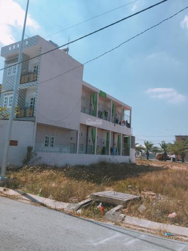 Người quen nhờ bán giùm dãy trọ 9 phòng 1 kiot sổ riêng CC, 130m2 gần KCN Lê Minh Xuân 3, đông dân
