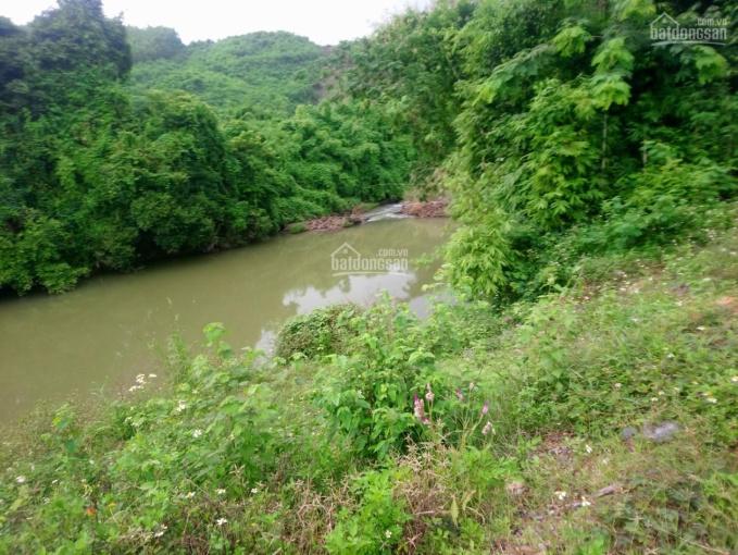 Bán đất giáp Sông Cầu, triền đồi lưng tựa núi mặt hướng sông hồ, bao quanh đồi núi nhấp nhô hùng vỹ