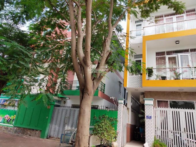 Bán lô đất 5x18m MT Lương Định Của, Q2, thổ cư, đường 12m, giá 2.2 tỷ, 90m2. LH:0901455427 Trung