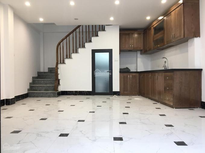 Bán nhà ngay Kim Đồng Tân Mai 35m2x6T cực đẹp, 2 mặt thoáng, ngõ đẹp. Giá 2,75 tỷ (ảnh thật 100%)
