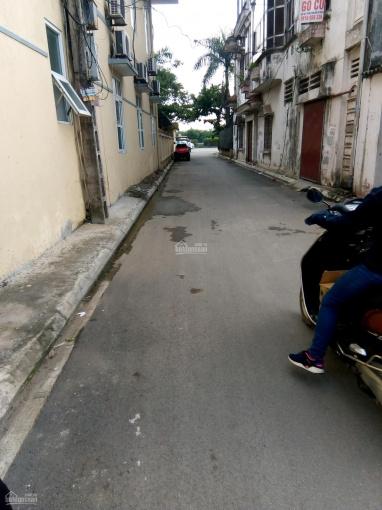 Bán đất ngõ 95 phố Vũ Xuân Thiều, P Sài Đồng đường rộng 4m ô tô 7 chỗ đỗ cửa, DT: 52m2 giá 1,85 tỷ