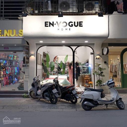 Cho thuê nhà mặt phố Hàng Bông 45m2, MT 4m. Vị trí đẹp, giá: 45tr/tháng, LH: 0974433383