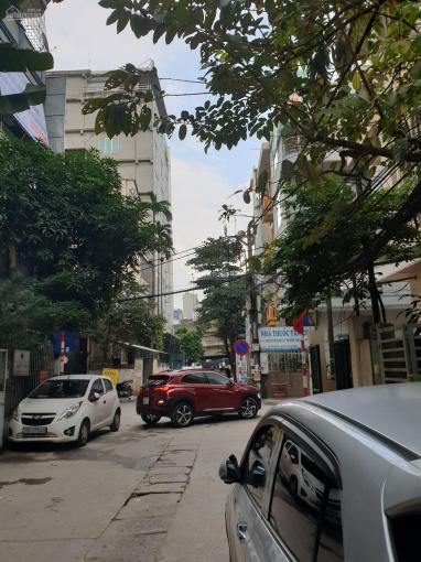 Cho thuê gấp cửa hàng mặt phố Thịnh Quang mặt tiền 4m, sâu hơn 2m, giá 4 triệu/th