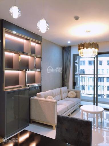 Cho thuê căn hộ Saigon Royal, 2 phòng ngủ, đầy đủ nội thất giá 19 triệu/tháng, LH: 0939.125.386