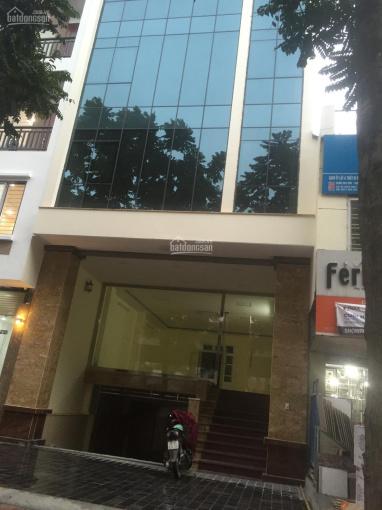 Cho thuê văn phòng ngay ngã tư Lê Văn Lương với Khuất Duy Tiến, liên hệ 0865938660
