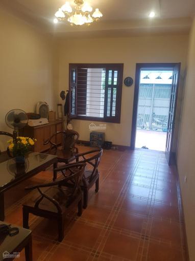 Cho thuê nhà siêu đẹp, rộng 120m2, 5PN, phố Lê Thanh Nghị, khu vực sầm uất, nhà rộng rãi, hiện đại