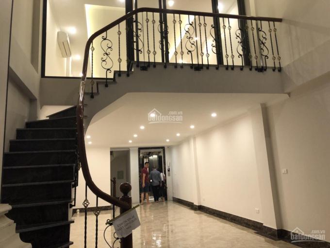 Cho thuê nhà mặt phố kinh doanh, Phan Kế Bính, dt 45m2*4 tầng, mt 5,5m. Giá 25 triệu/th