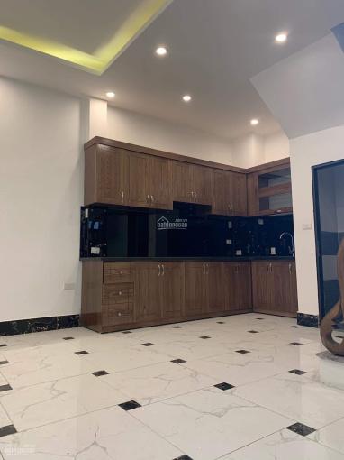 Bán nhà ngay Kim Đồng, Tân Mai, 35m2x6T cực đẹp, 2 mặt thoáng, ngõ đẹp. Giá 2.75 tỷ (ảnh thật 100%)