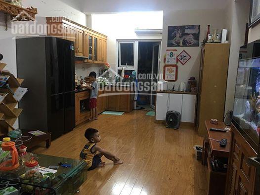 Cần bán lại căn hộ tầng 9, 2 ngủ, 62m2 tại tòa CT6 Xa La