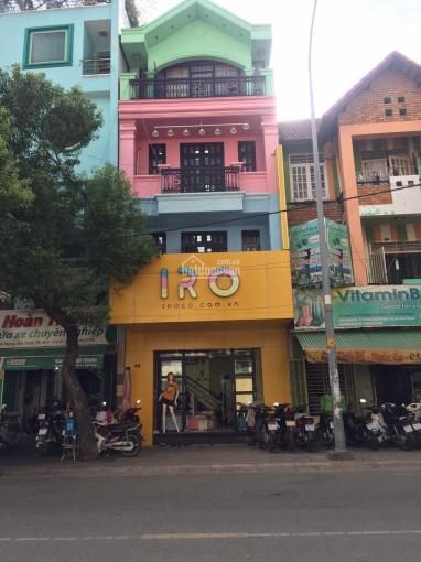 MT Nguyễn Thái Bình ngay Út Tịch DT: 4.5 x15m, 3 lầu vào KD ngay giá 35 triệu/tháng LH: 0903961118