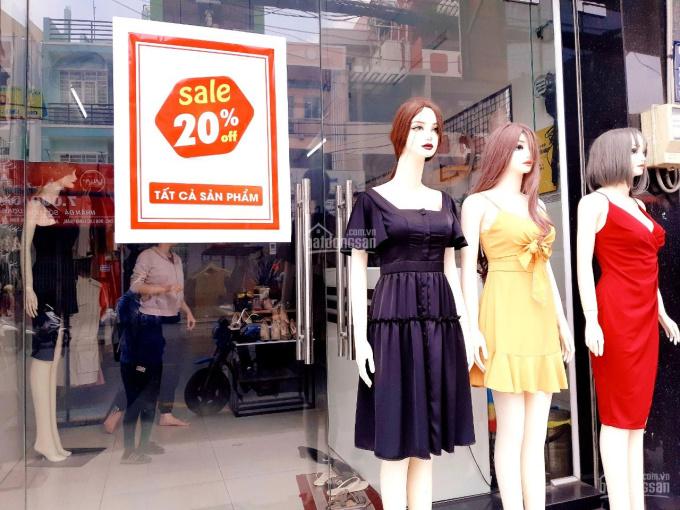 Bận việc sang gấp shop thời trang kinh doanh ổn định