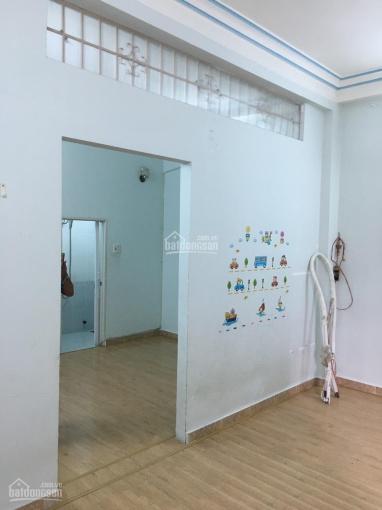 Cho thuê nhà 3 tầng ngang 5m mặt tiền Nguyễn Thiện Thuật khu phố tây Nha Trang kinh doanh cực tốt