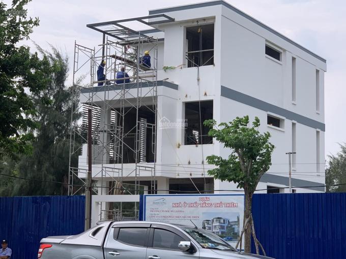 Cần tiền bán hạ giá 2 nền tái định cư 100m trong Đông Tăng Long sổ đỏ xây dựng tự do, 40.5tr/m2