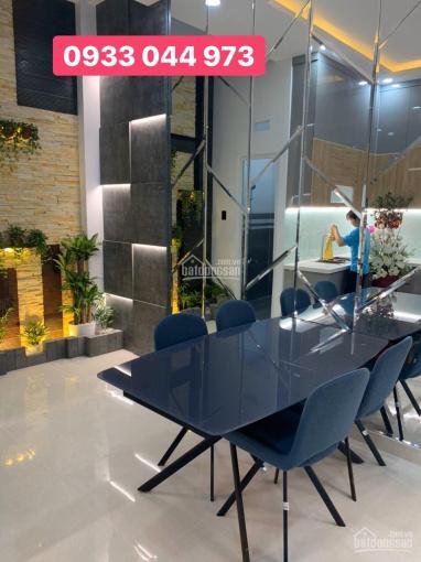 Nhà phố cao cấp 1 trệt 4 lầu có thang máy nằm trục đường Hà Huy Giáp, sát bên Gò Vấp quận 12