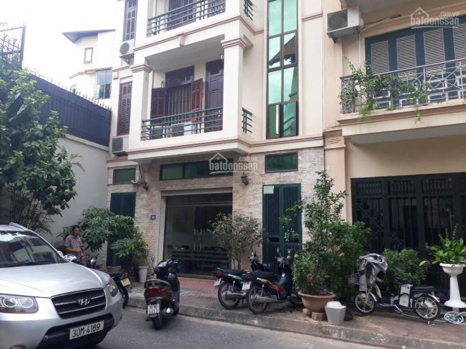 Cho thuê nhà mặt phố Phan Kế Bính kéo dài gần ngã 3 phố Linh Lang