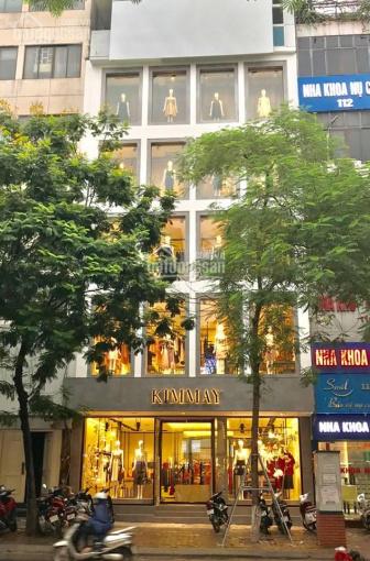Cho thuê nhà mặt phố Nguyễn Du 120m2 x 6,5 tầng, MT 11m, nhà thông sàn, có thang máy