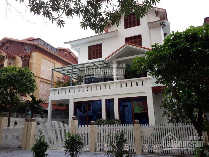 Cho thuê biệt thự tại KĐT Văn Quán, diện tích 200m2, full đồ, hiện đại. LH: 0985.765.968