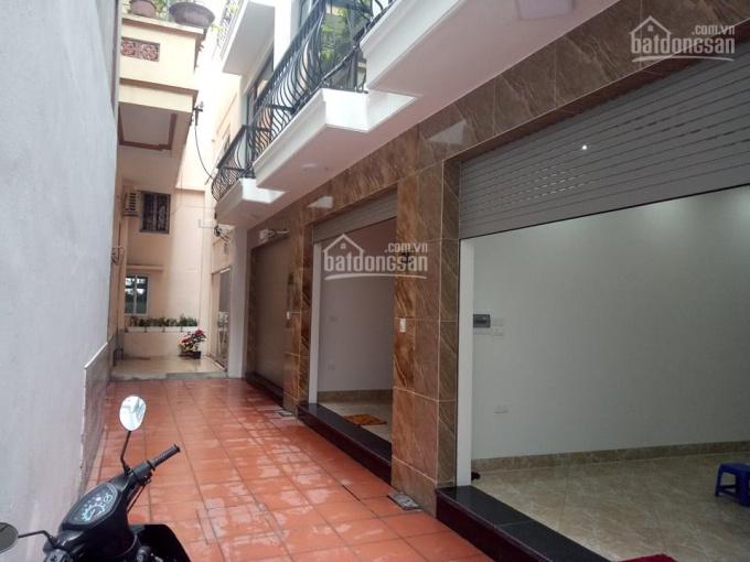 Chính chủ bán gấp nhà trong ngõ Yên Hòa gần phố Trung Kính 36m2 x 5T, cách phố và ôtô 1 nhà 4,1 tỷ