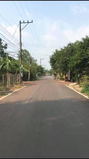 Bán đất 2 mặt tiền đường nhựa, vuông vức tiện làm kho xưởng, cận các công ty gần ngã tư Phú Thứ