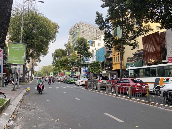 Cho thuê nhà mặt tiền Hoàng Văn Thụ, Phú Nhuận, 18,6x20m 3 tầng giá 208 triệu/ th