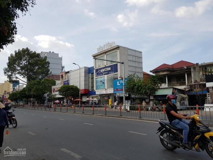Cho thuê/sang lại spa mới setup MT Phan Đăng Lưu Phú Nhuận, 5 lầu, đầy đủ TB CN cao, giá 25tr/th