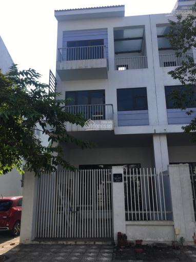 Cho thuê biệt thự, liền kề khu đô thị Xuân Phương giá từ 6 - 8tr/tháng tùy từng căn. LH: 0972864501