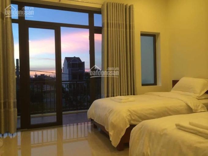Bán KS 5 tầng tại đường Minh Mạng - Bãi tắm Sơn Thủy. Giá siêu hot