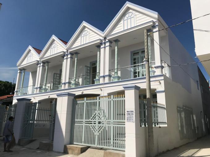 Bán nhà mới xã Trường Bình, Cần Giuộc. Giá rẻ chỉ 720tr, TK 2PN, diện tích 4x10m, nhận nhà ở ngay ảnh 0