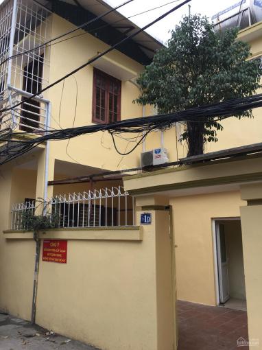 Cho thuê nhà đầu ngõ 239 Bùi Xương Trạch, DT 66m2 * 2 tầng, ngõ rộng kinh doanh tốt. LH 0979846899
