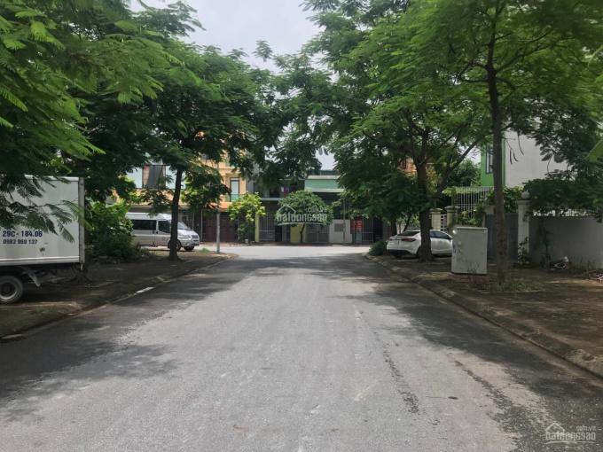 Chủ nhà gần vỡ nợ cần bán mảnh đất 109m2 hướng Đông Nam khu 31ha Trâu Quỳ