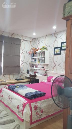 Cần bán căn 3 phòng ngủ VP4 Linh Đàm, giá 4,3 tỷ, LH 0976084586