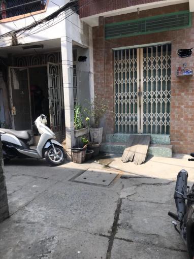 Cần tiền bán gấp căn nhà nở hậu 212/261 Nguyễn Văn Nguyễn, Quận 1, Cách mặt tiền Hoàng Sa 50m