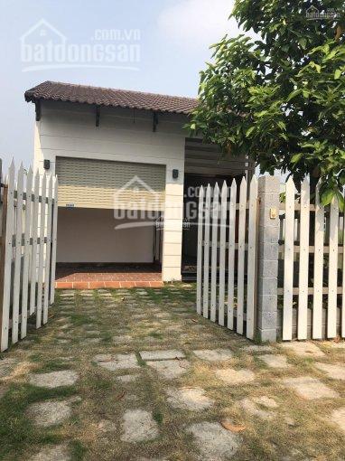 Bán căn chính chủ Bình Chánh, 1 trệt 1 lầu, DT 125m2, giá 2 tỷ 1, sổ hồng riêng. LH 0902.677.301