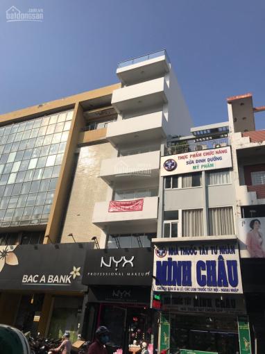 Cho thuê khách sạn Nguyễn Công Trứ, Q.1, DT 4x20m, hầm + 9 tầng, 20 phòng, giá 140 tr/rh