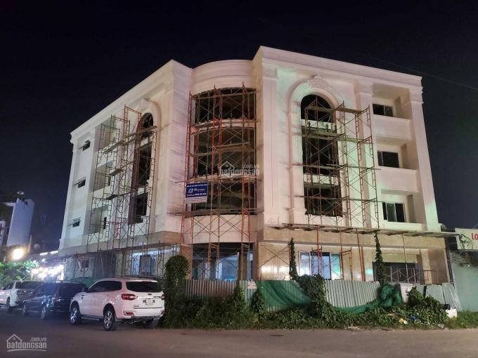 Cho thuê tòa nhà ngay góc 2 mặt tiền quận 2, mới xây, thơm phức
