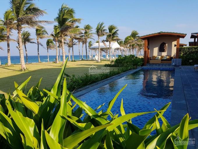 Bán căn villa Movenpick mặt biển Bãi Dài Cam Ranh, bàn giao ngay, đã đi vào hoạt động LH 0965263299